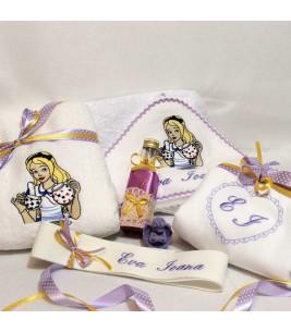 More about Trusou botez Alice in tara minunilor