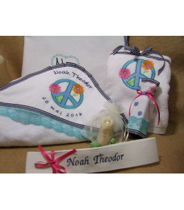 More about Trusou botez personalizat flower power