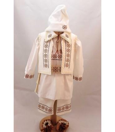 Costum national botez baieti din Moldova
