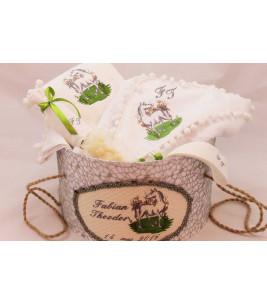 More about Trusou botez personalizat si cutie botez broderie calut
