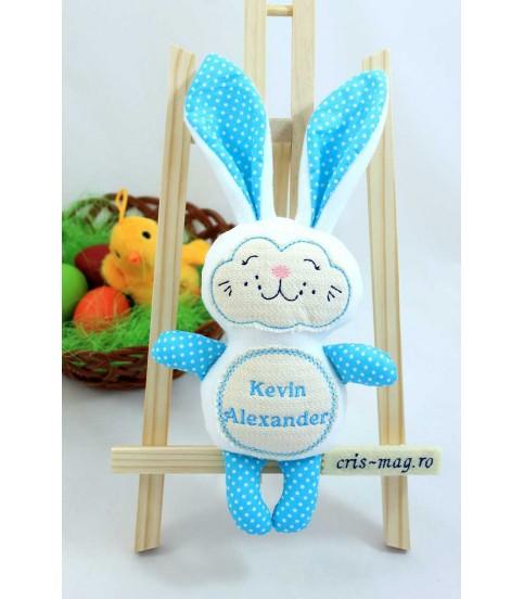 Cadou iepuras handmade personalizat cu numele copilasului