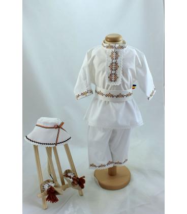 Costum popular botez baieti de vara culoari bej maro