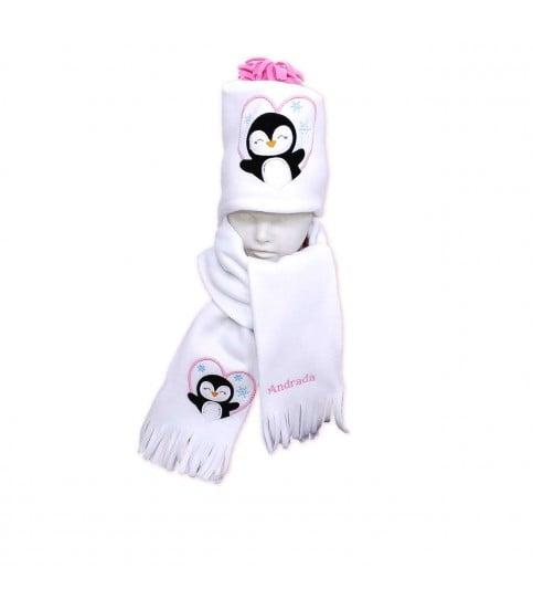 Set fular plus caciula personalizate cu broderie pinguin din polar culoare alba