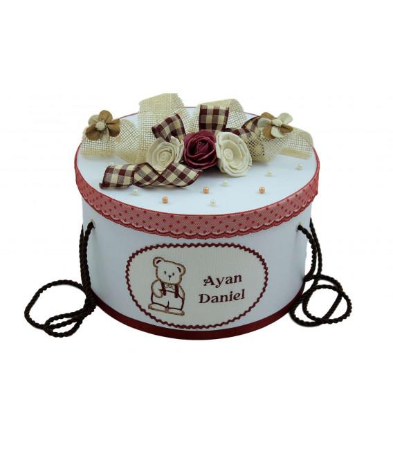 Cutie trusou botez personalizata ursulet cu papion culoare rosu