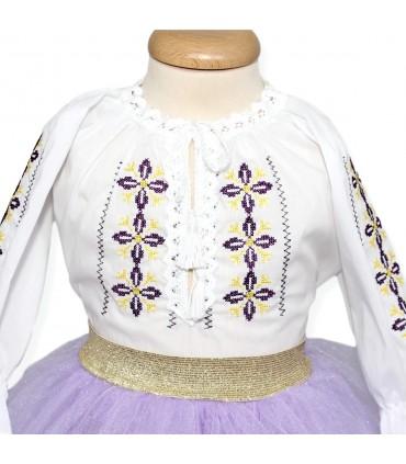Rochita botez Anais cu modele traditionale