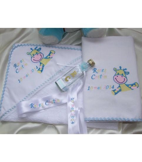 Trusou botez personalizat Puiut de girafa vesel producator Atelierele Cris  299,00Lei