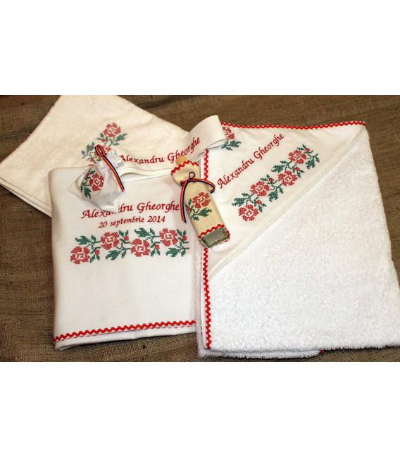 Trusouri botez traditionale - Trusou botez traditional personalizat broderie floare