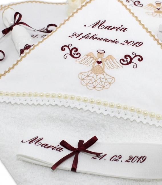 Trusou botez fete personalizat si cutie rotunda ingeras elegant