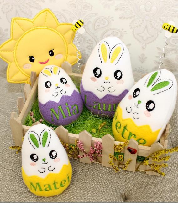 Ornamente Paste cu oua brodate pentru familie