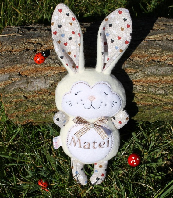 Jucarii personalizate bebelusi - Jucarii handmade iepuras Matei
