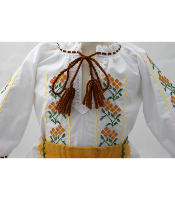 Costum traditional fete botez Iasmina
